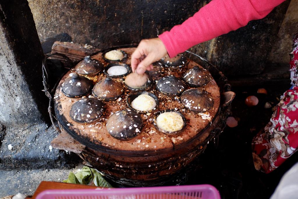 """Making """"bánh căn"""" - Vietnamese food"""