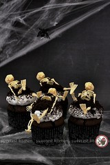 Halloween Chocolate Cupcakes with Marshmallow Frosting and Oreo Soil