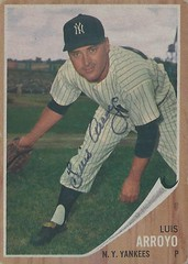 1962 Topps - Luis Arroyo #455 (Pitcher) (b. 18 Feb 1927 - d. 13 Jan 2016 at age 88) - Autographed Baseball Card (New York Yankees)