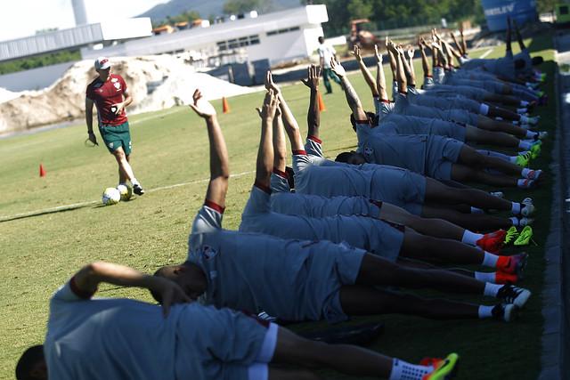 Fluminense: Em treino no CT, Marcão trabalha parte técnica do elenco tricolor