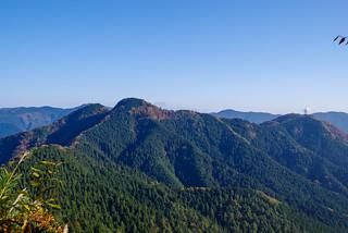 先ほど登頂した二子山@焼山山頂より