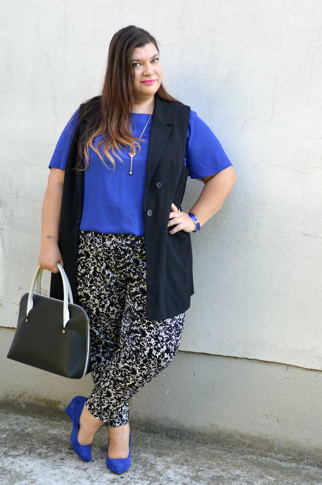 Outfit blu, nero e bianco (3)