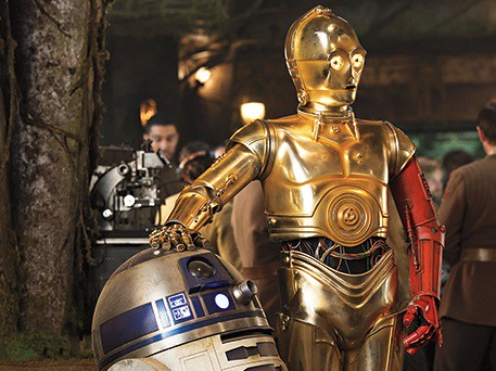 Threepio with his red left arm in Star Wars: The Force Awakens.
