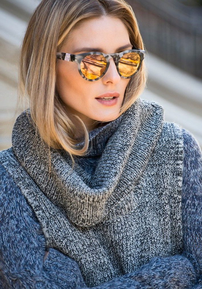 Coats Scarfs And Sweater Winter outfits inspiration streetstyle10