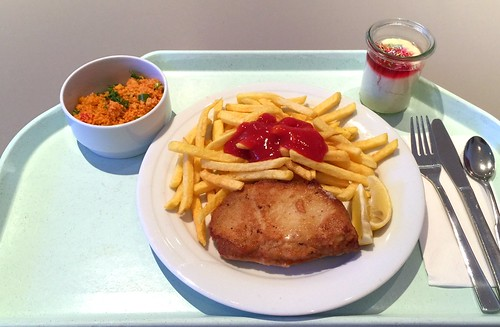 Cordon bleu with french fries / Cordon bleu mit Pommes Frites