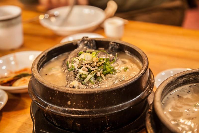 E's Seoul 04-_Samgyetang (삼계탕), ginseng chicken soup@토속촌 삼계탕