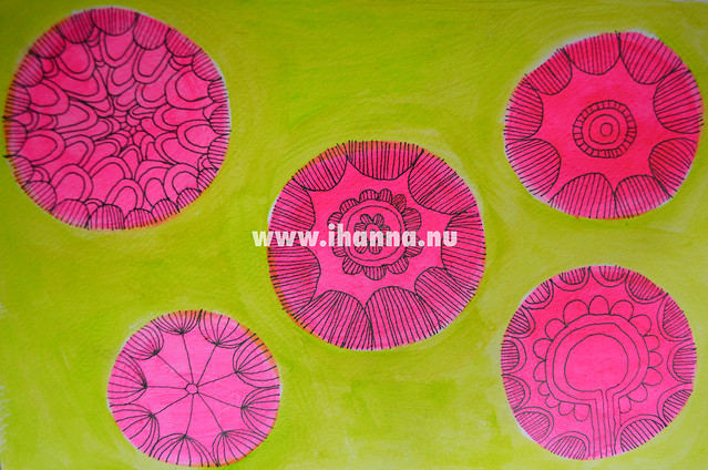 Art Journal detail: neon circles on green - by @iHanna // Copyright Hanna Andersson