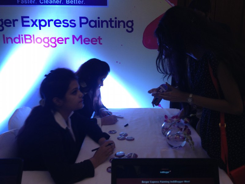 Registration Desk - Berger Express Painting IndiBlogger Meet 2015 at The Oberoi Grand, Kolkata