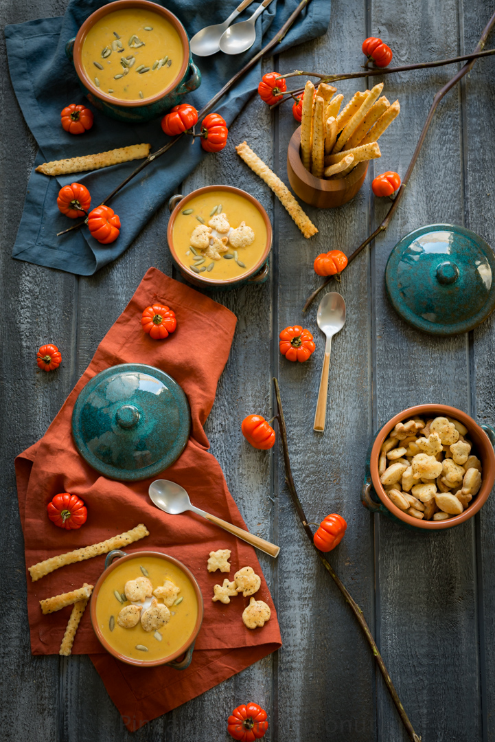 Creamy Pumpkin Chipotle Soup with Savory Pie Crust Croutons www.pineappleandcoconut.com