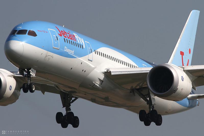 Boeing 787-8 Dreamliner – Jetairfly (TUI Airlines Belgium) – OO-JDL – Brussels Airport (BRU EBBR) – 2015 04 09 – Landing RWY 25L – 01 – Copyright © 2015 Ivan Coninx