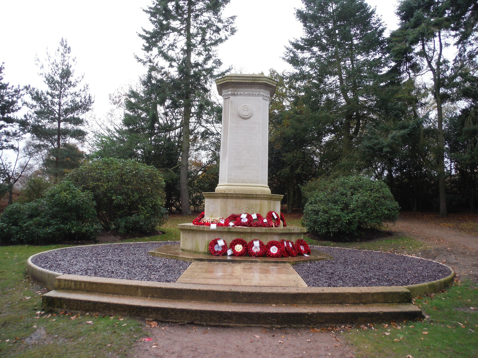 War Memorial near Cooper's Hill, Ampthill (II) SWC Walk 232 Lidlington to Flitwick