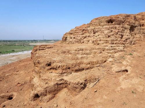 ziggurat sumerian kish babylon iraq