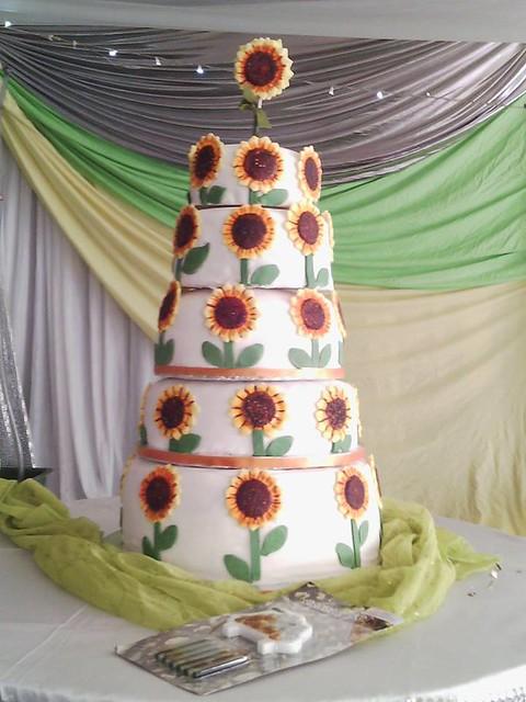 Cake from Miss Cupcake- Joanne Reuben