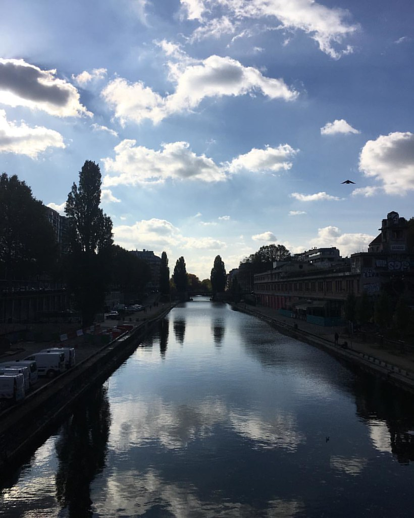 #canalsaintmartin #jaures #paris #instaparis #tourists #france #contrejour #ciel #sky #clouds #nuages #instadaily