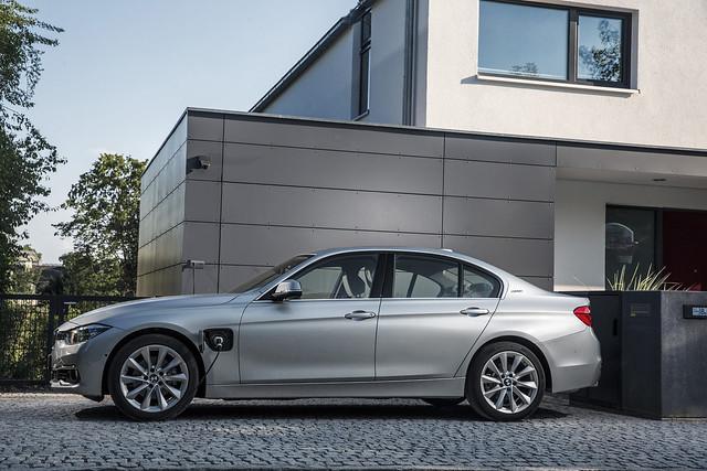 BMW 330e-preliminar