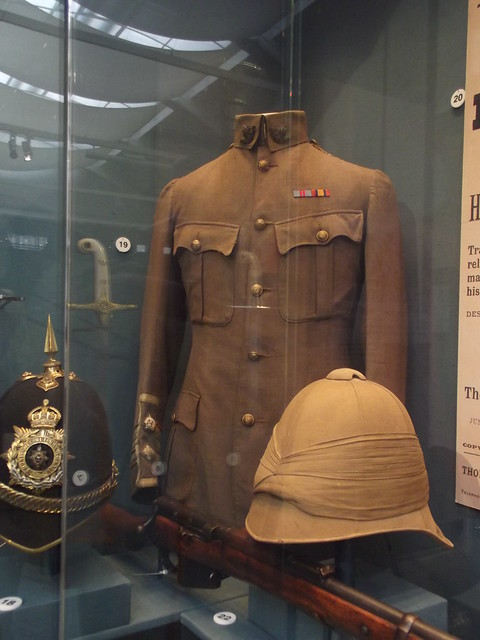 The Worcestershire Soldier - Worcester City Art Gallery and Museum -  Light Weight Officer's tunic, 1899-1902