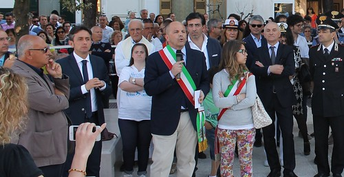 Salvatore Colella nel 2014 durante l'inaugurazione della piazza Moro vitto maria centrone tatoli don vito benedetti franco mancini daniele simone fabio caprio