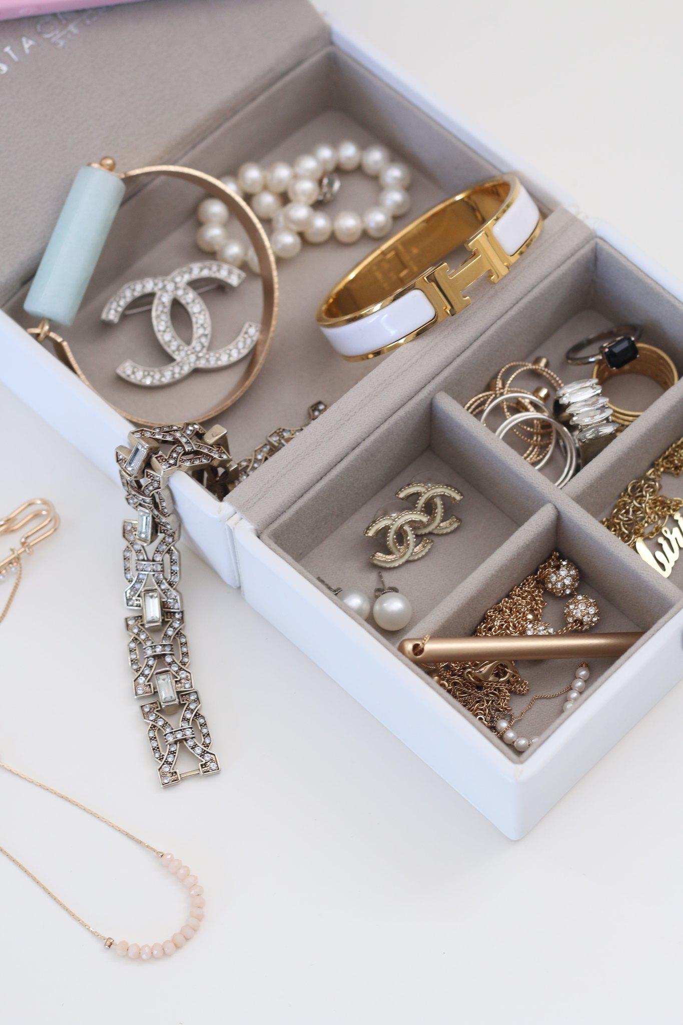 How to pack jewelry, travel, simplyxclassic, jewelry storage, watch organizer, fashion blogger, mommy blog, orange county