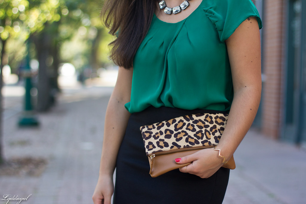 green blouse, black pencil skirt, leopard clutch-8.jpg