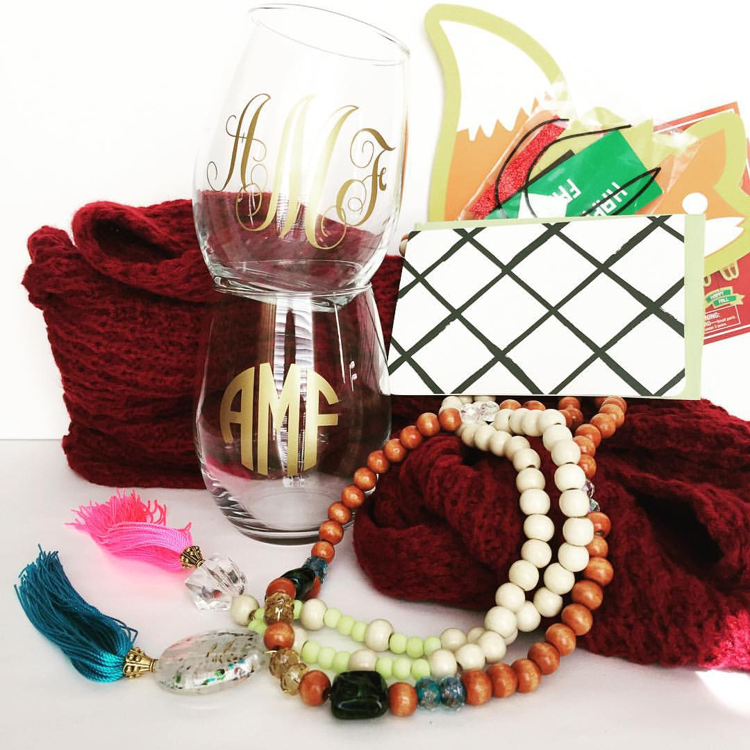 Sending out a little package of mostly homemade goodies to one of my blog friends that isn't on IG! Ha! I monogrammed in gold two wine glasses for her 🍷🍷, made her a fall and summer necklace, included a wine colored scarf from Target