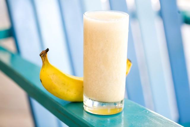 MANGO BANANA COCONUT SMOOTHIE RECIPE BLUE OSA COSTA RICA YOGA banana smoothie