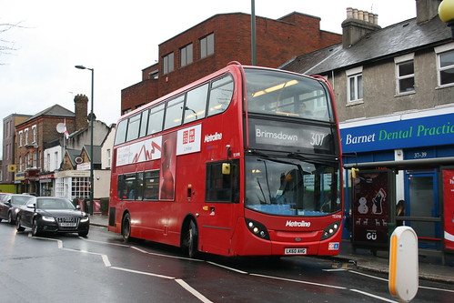 Metroline TE1098 on Route 307, New Barnet