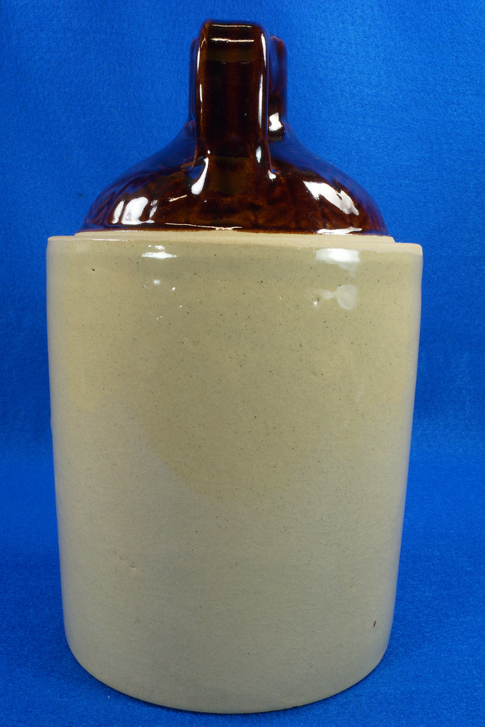 RD14420 Antique Stoneware Crock 1 Gallon Shoulder Whiskey Jug with Top Wheat Pattern DSC06203
