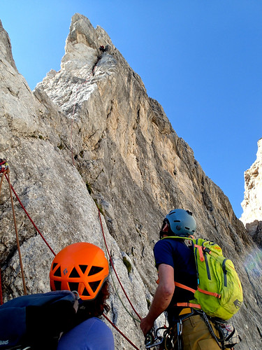 Sat, 2015-08-29 15:39 - Simon (R) belaying, Michelle (L) waiting on the belay ledge, which is small and very exposed.