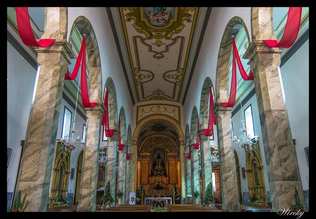 Interior de la Iglesia de la Madre de Dios