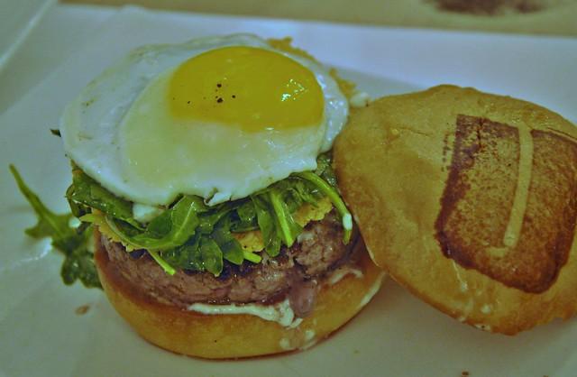 Umani Sunny Side Burger