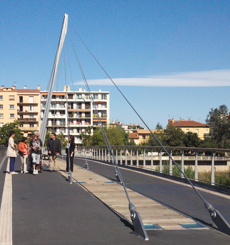 Pont entre el Teatre i el Jardin exotique de la Digue d'Orry