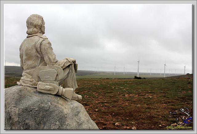 10 Monumento a Félix Rodriguez de la Fuente en Poza de la Sal