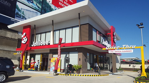 Jollibee Opens 25th Store in Davao City at Quimpo Boulevard - DavaoFoodTrips.com