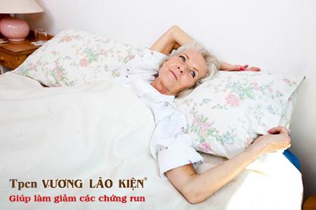 Người bệnh Parkinson thường bị mất ngủ vào ban đêm và ngủ nhiều vào ban ngày