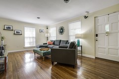 When we travel, we love to experience a destination like locals:  staying in neighborhoods, eating at family owned restaurants and shopping in markets.  Now, we can offer that to you! Come to Fort Worth, Texas and stay at our @airbnb! This opportunity all