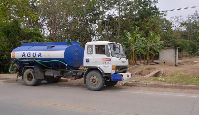 Agua potable a las comunidades