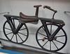 1820 - Laufmaschine nach Drais mit Tretkurbel _