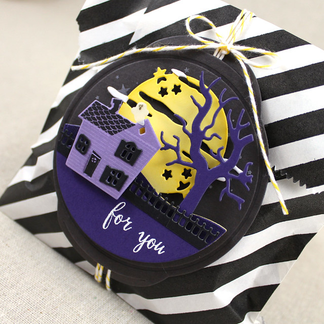 Haunted Manor Treat Bag Close Up 2