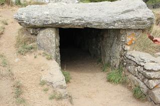 Entrée du dolmen des pierres plates