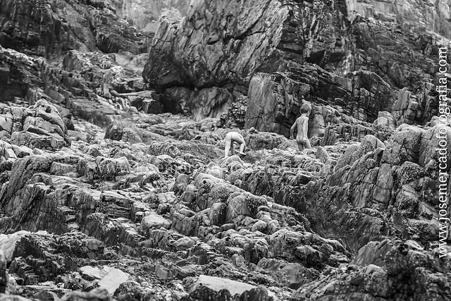 Niños de piedra. Playa del Silencio, #Asturias #Sony #A7 lente Sony 70-200