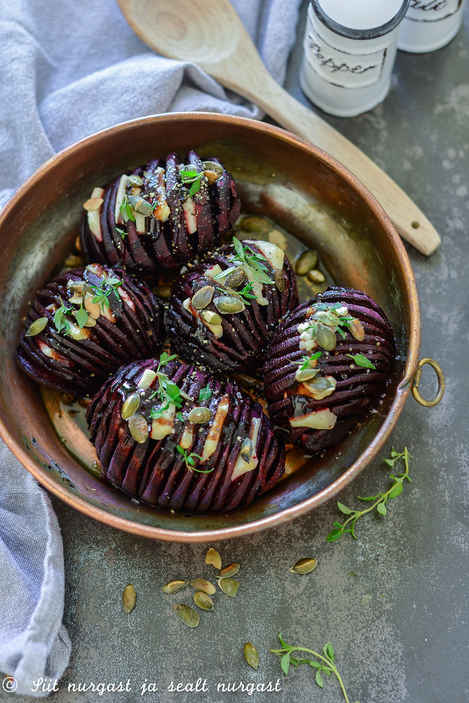 Hasselback beetroots with goat cheese