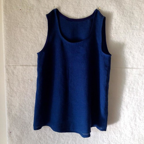 Procrastinatory project - another Wiksten tank in left over navy crinkle linen