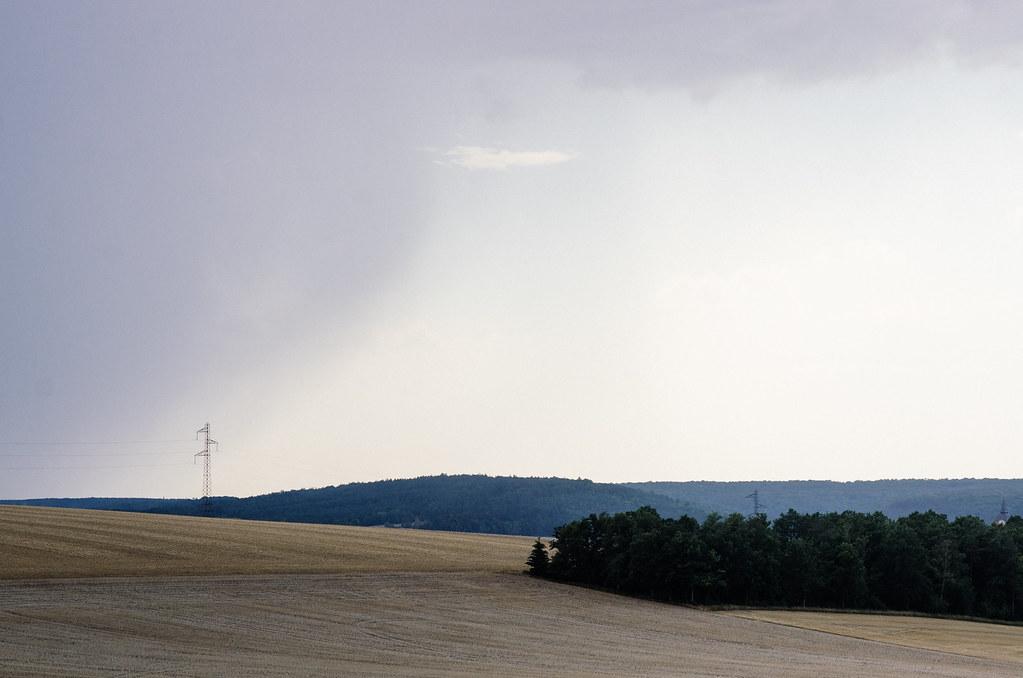Dans l'Aube, chemins de Compostelle et via Francigena  - Carnet de voyage en France - L'orage arrive
