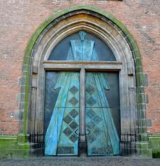 DDD  doors and doorways.