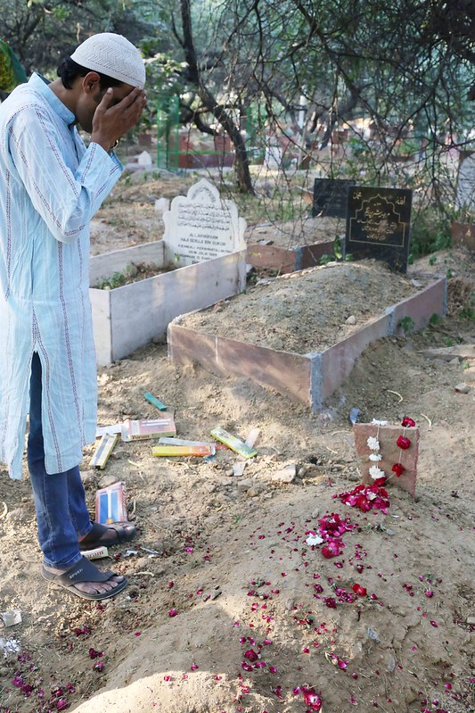 City Moment - Remembering Meraj Ahmed Nizami at His Grave, Panj Peeran Qabristan