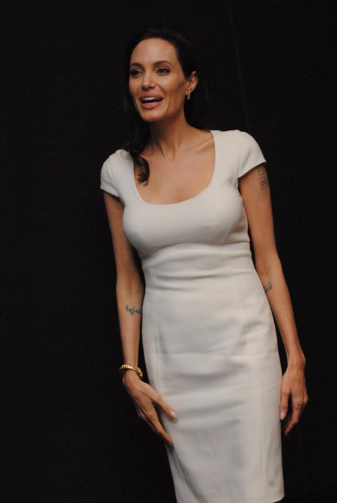 Анджелина Джоли — Пресс-конференция «Несломленный» 2014 – 82