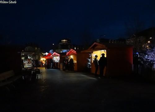 Chartres dans un décor de fêtes de Noël