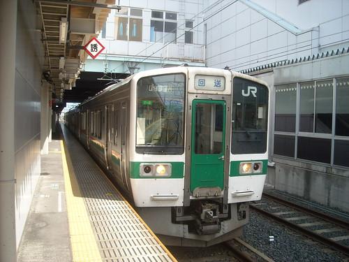 奥羽本線(山形線)の電車 山形駅にて