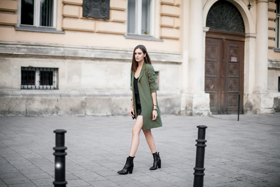 army-green-khaki-coat-outsit-street-style