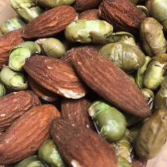 Almonds and Dry Roasted Edamame